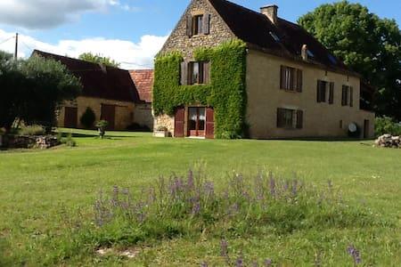 Le pré charmant au coeur du Périgord Noir - Saint-Cybranet