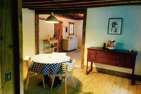 Kaaterskill Farmhouse Getaway - Ház