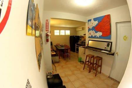 Hostel Tropical - Haus