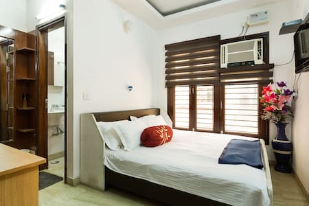 Apartment with comfort & privacy of a hotel - Ev