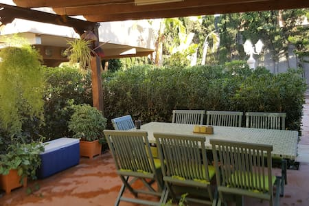 Rent a villa by the sea for the summer period - Alacant