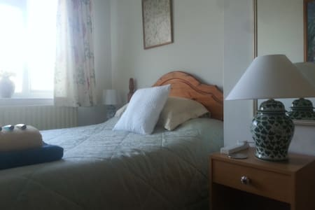 Gorgeous village, Sunny Double room - Hus