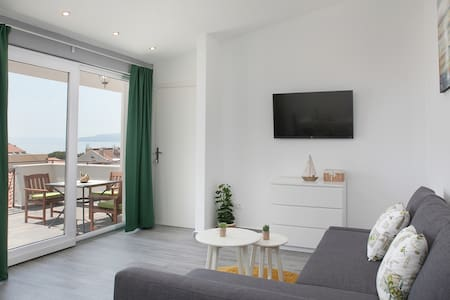 Sea & Mountain view, 4 star , Olive themed, New - Apartament