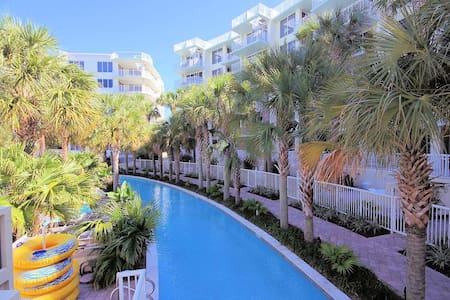 Destin West 3BR Lanai Condo - Huge Patio W/Tiki Bar and Outdoor Kitchen! Steps to Lazy River - Wohnung