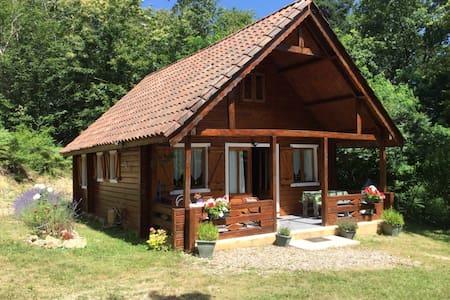 Chalet au calme en forêt, 5 min Sarlat - Proissans - Chalet
