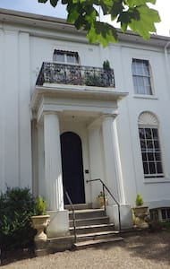 Luxury garden flat in listed building - Apartment