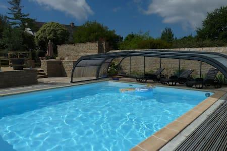 Maison en littoral avec piscine - Hus