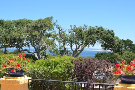 Sea Whisper-Ocean Views! Cannery Row, 30 Night Min - Monterey - Appartement