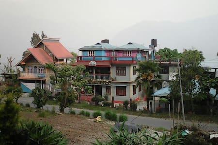 The Suite Room@Damsang Guest House - Lava - Casa de huéspedes