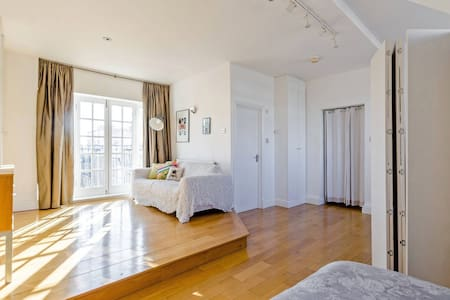 City/Shoreditch - Beautiful airy studio apartment - London - Apartment