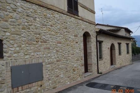 CAMIANO - MONTEFALCO - Montefalco - Apartment