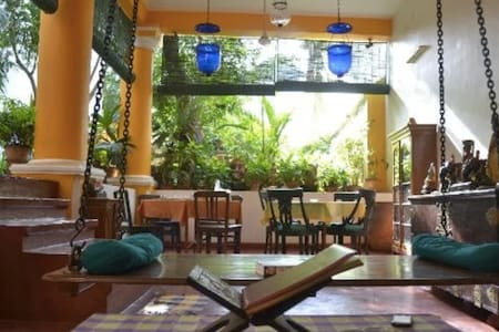 Spacious room for a small family - Puducherry - Bed & Breakfast
