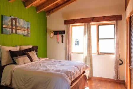1 Room 1 Full Bed, Near the beach - Maison