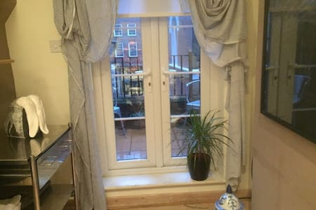 Lovely One Bed nr Victoria Station