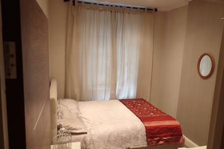 Beautiful Kensington-Dbl Bed: Clean, Comfy & Quiet - Londra - Appartamento