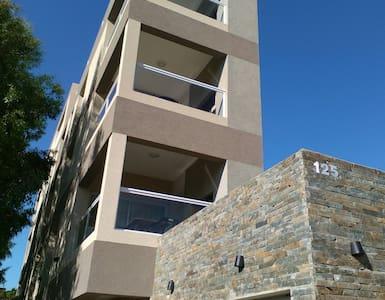 Departamento con Servicio Pinamar - Lägenhet