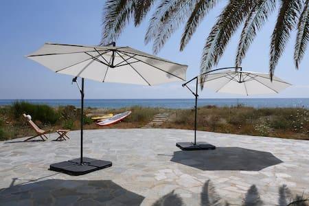 Villa luxe de bord de mer avec piscine spa chauffée et de nombreux services - Taglio-Isolaccio