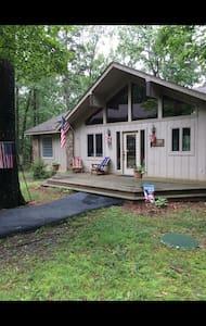 Lakefront cabin near golf resort! - Rumah