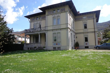 Villa Liberty in Franciacorta, lago d'Iseo - Apartment