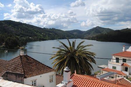 Getaway Villa by the river, Dornes - Nossa Senhora do Pranto - Apartment
