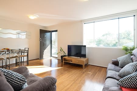 Walk to Southbank - 2 bedrooms - Highgate Hill - Wohnung