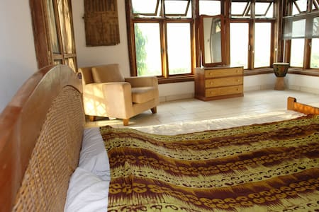 Agape Guest House - airy, bright & family friendly - Accra - Huis