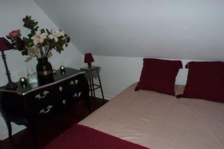 Jolie chambre - House