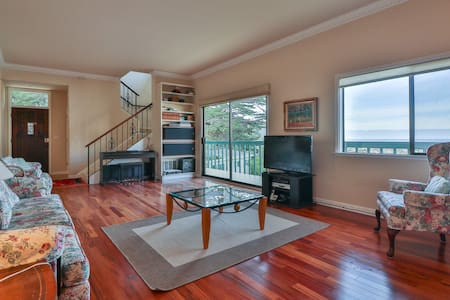 Ocean View 3 BR Pacifica Gem W/Hot Tub - パシフィカ - 一軒家