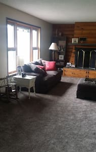 Bishop Mountain Rental - Hill City - House