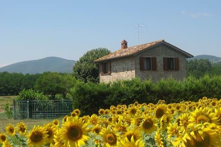 Casolare nel cuore verde d'Italia - Umbertide - House