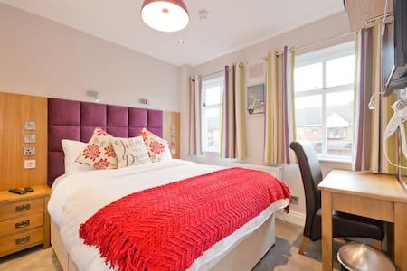 Dublin, Ballsbridge,4 Bed House