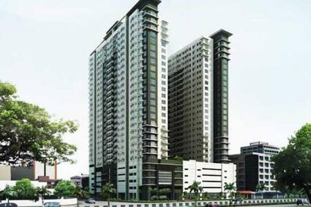 Cozy Space near Alabang Town Center - Condominium