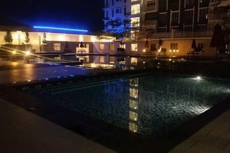 New Apartment in Bdr Saujana Putra - Jenjarom - Lejlighed