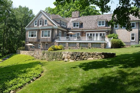 New Canaan Estate master suites - New Canaan - House