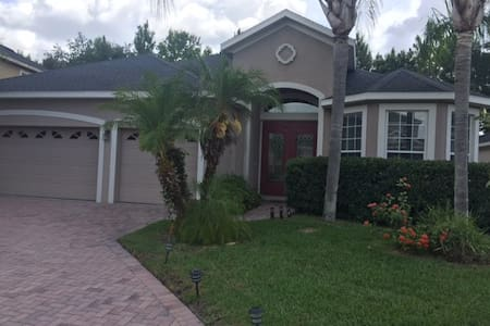 Room or Entire Home Available in Sanford, FL - Sanford - Σπίτι