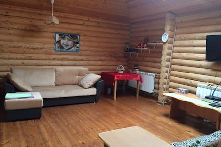 Коттедж для одной семьи в Пушкине - Pushkin - Ev