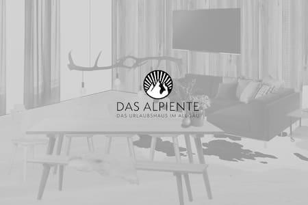 DAS ALPIENTE - Dachgeschoß-Ferienwohnung im Allgäu - Leilighet