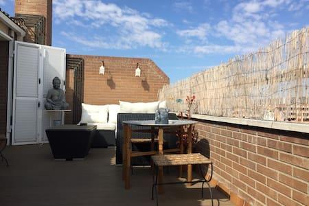 Ático duplex con agradable terraza! Hb. de Literas - Wohnung