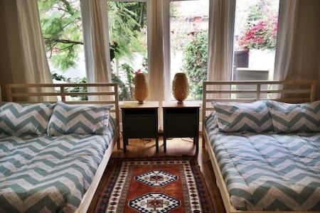 cozy and quaint - Calabasas - Apartment