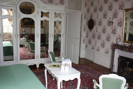 séjour au château chambre de Bonne Maman - Castello