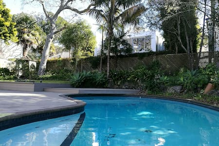 Sunny Double bed at Takapuna - Auckland