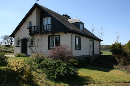 Mooi landelijk huis - Libramont-Chevigny - Villa