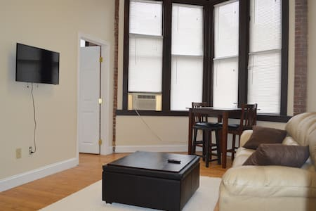 Chic, modern loft in heart of downtown Providence - Providence - Loft