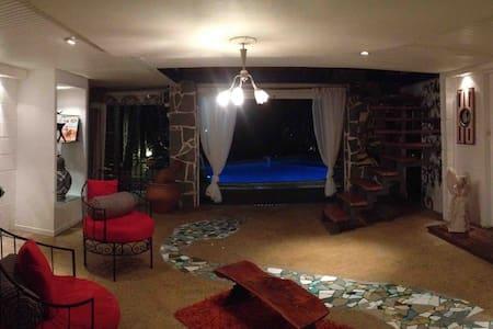 Villa de luxe avec piscine - Ház