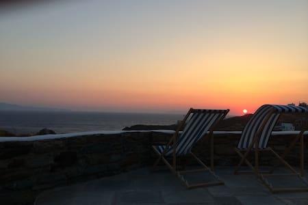 A villa with amazing sunset - Tinos - Villa