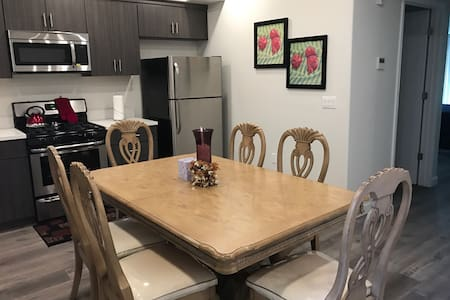 Gorgeous fully furnished Apt/with all amenities - Los Angeles - Apartamento