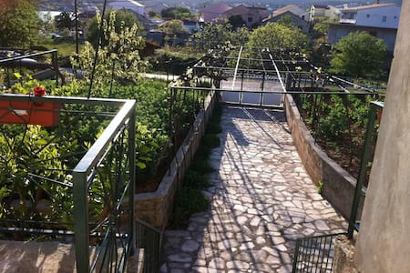 Holiday house, Villa Ante Vinisce, Riviera Trogir - Vinišće