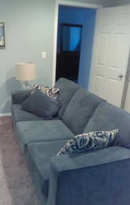 Clean and Cozy - Calgary - Bed & Breakfast