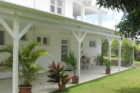 Location de vacances à la campagne, en Martinique - Sainte-Marie