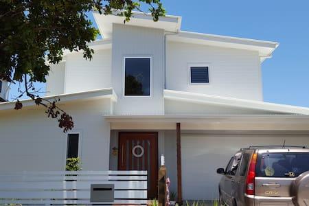 Beautiful beach home, sleeps 8. - House